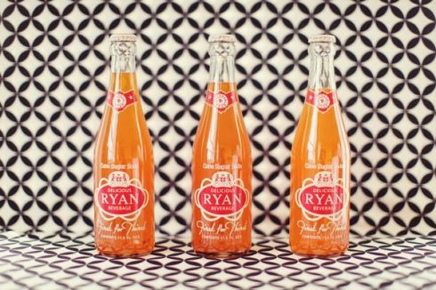 1960's_Inspired_Clementine_Inspiration_Shoot_Soda_Bottles